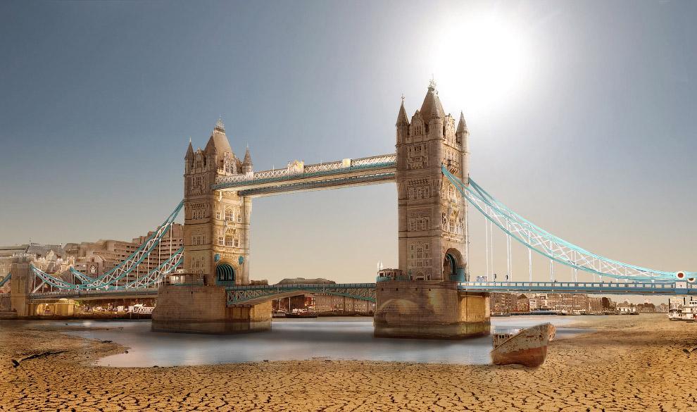 Тауэрский мост в Лондоне во время Великой засухи.