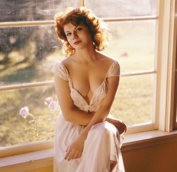 Мисс Июнь 1957, Carrie Radison