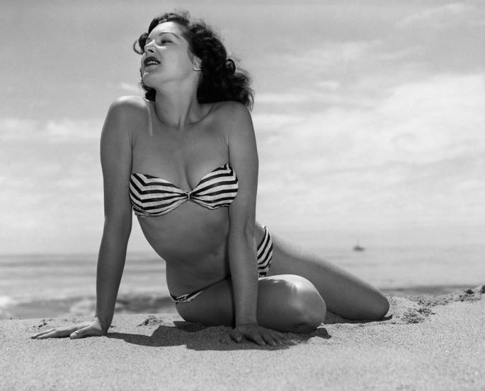 Joanne Arnold, Мисс Май 1954.