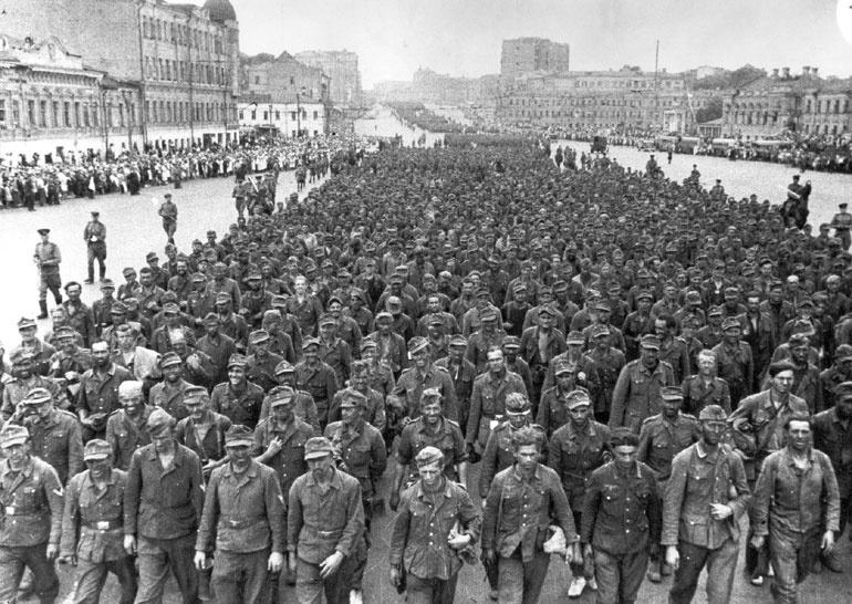 Пленные нацисты в Москве.