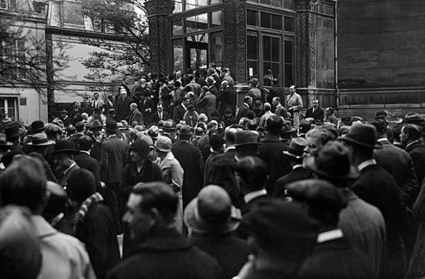 Прибытие русских эмигрантов, Париж, 1917 год.
