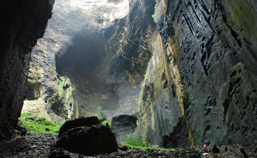 Самая жуткая в мире пещера