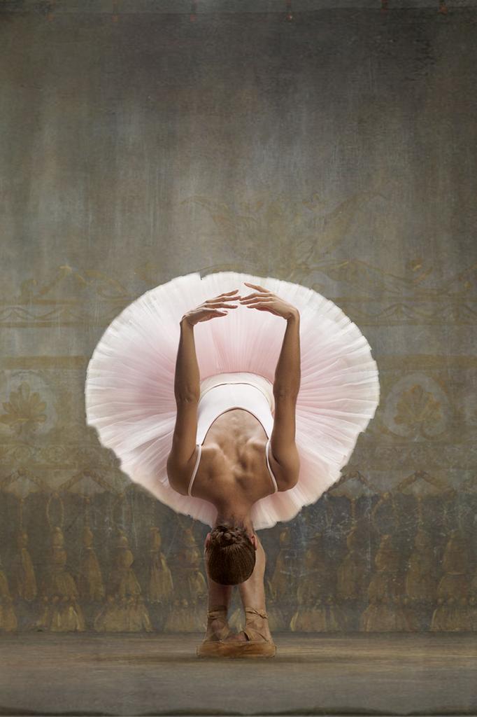 balerina-vossozdaet-kartiny-Edgara-Dega-3