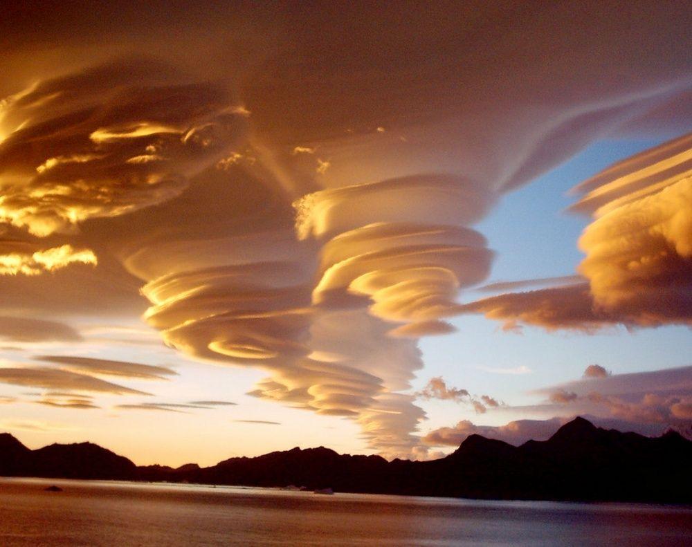 4. Лентикулярные облака