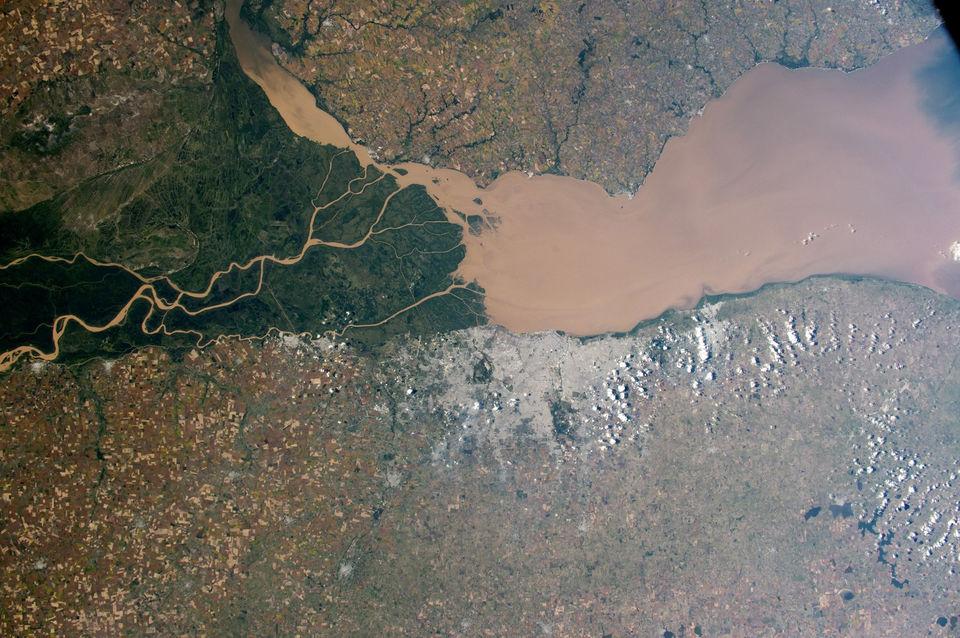 Мутные воды реки Парана, Аргентина
