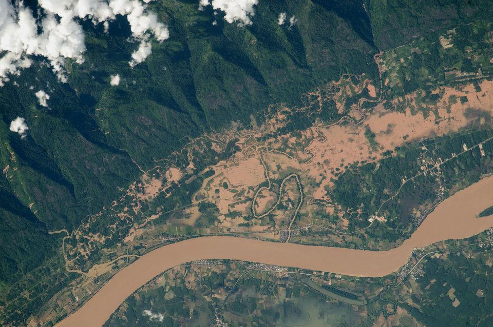 Наводнение на реке Меконг, граница Лаоса и Таиланда