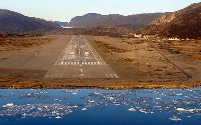 4. Аэропорт Нарсарсуак, Гренландия.