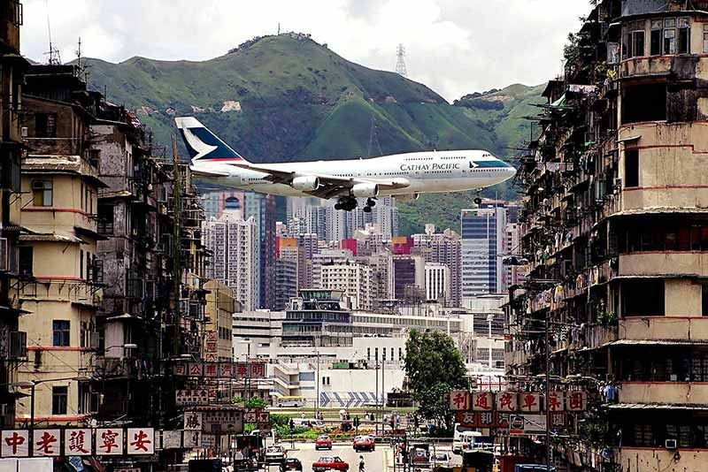 6. Аэропорт Кайтак, Гонконг.
