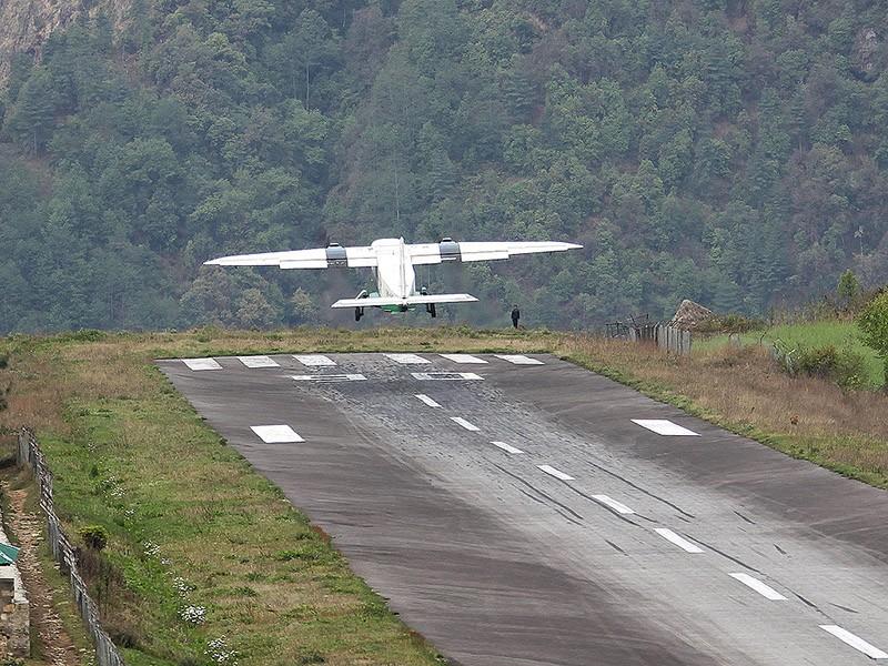 9. Аэропорт имени Тэнцинга и Хилари, Непал.