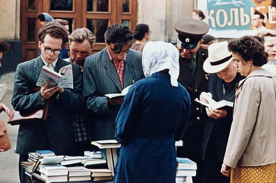 Дмитрий Бальтерманц. Из серии «Арбатская площадь», Москва, 1958 г. Собрание МАММ/МДФ.