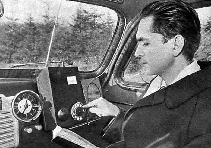 В 1957 году, когда на Западе еще и не думали о мобильной связи, радиоинженер Леонид Куприянов создал первый радиотелефон.
