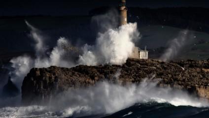 15 самых красивых маяков Европы с невероятными пейзажами