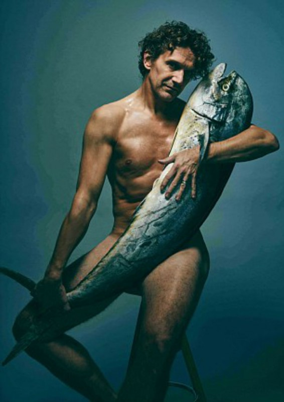 Gary-Avis-posed-with-a-Mahi-Mahi-566x800