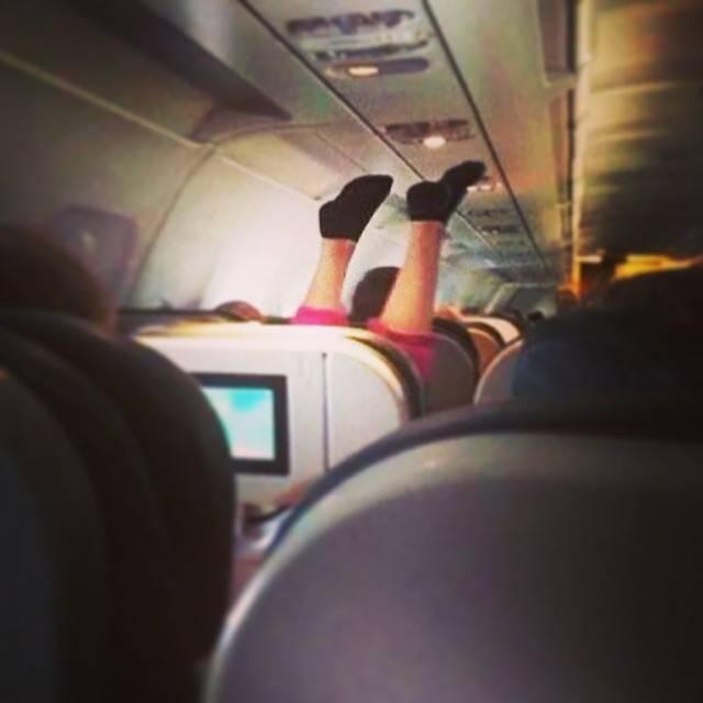Фотографии самых отвратительных пассажиров самолетов