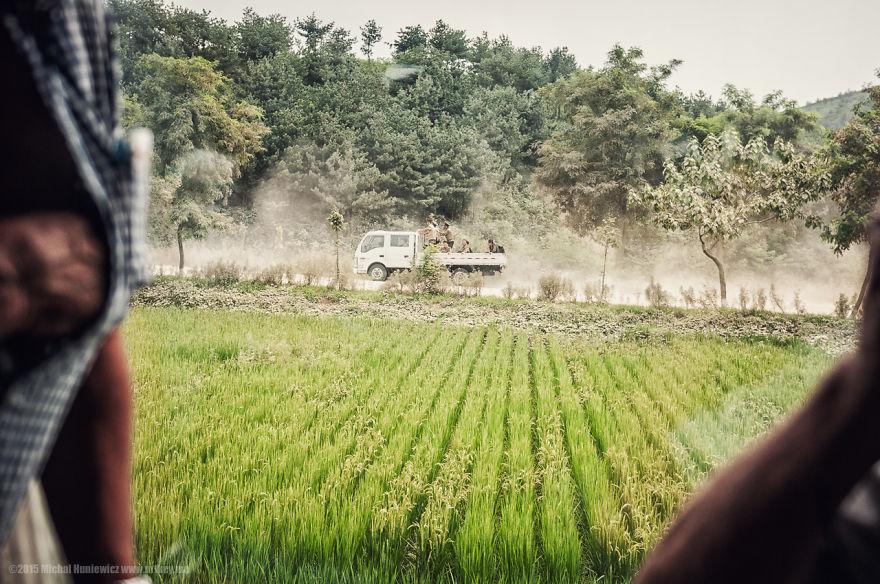 nelegalnye-fotografii-iz-severnoj-korei-quibbll-9
