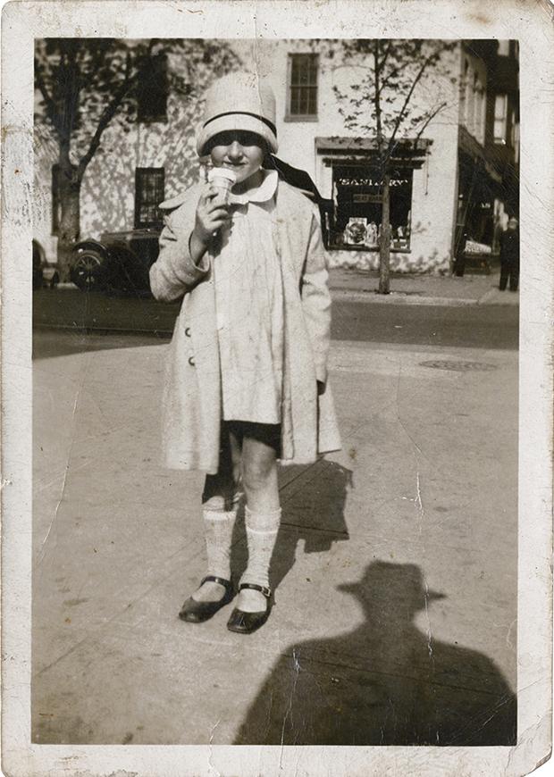 retro-fotografii-kollektsioner-Zhan-Mari-Donat_5