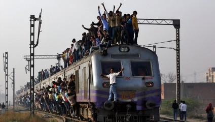 Как работают индийские железные дороги