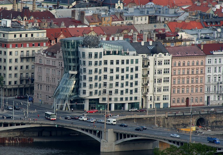 Praha_Tancici_dum