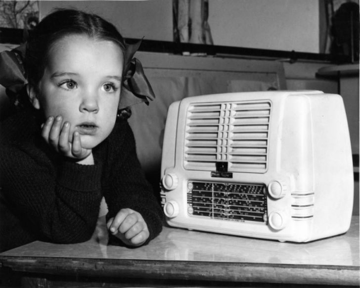 Заказывали-любимую-песню-по-радио-а-потом-с-волнением-ждали-ее