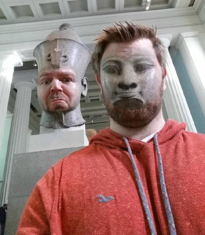 Если поменяться лицами со статуями