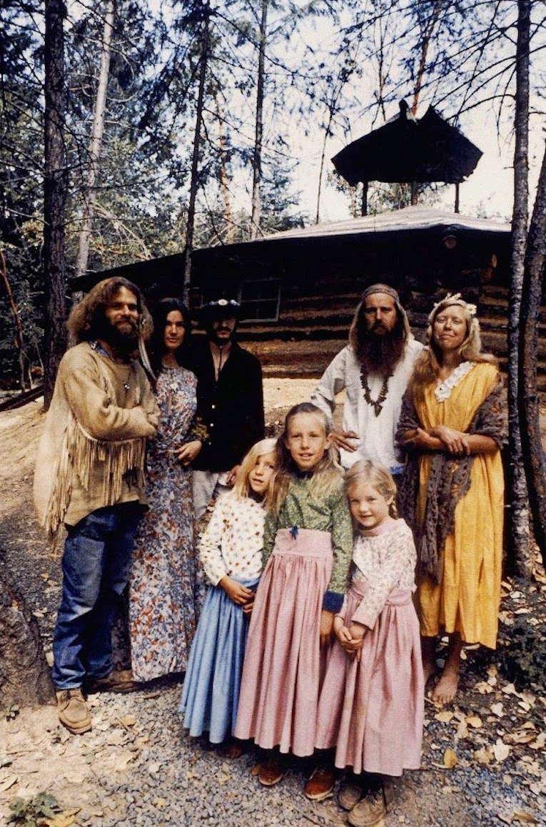fotografii-obschiny-amerikanskih-hippi_3