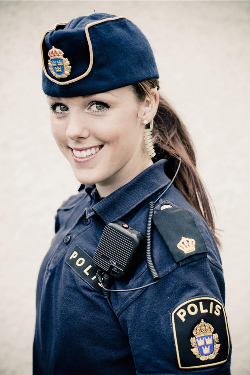krasivye-devushki-politseyskie_2
