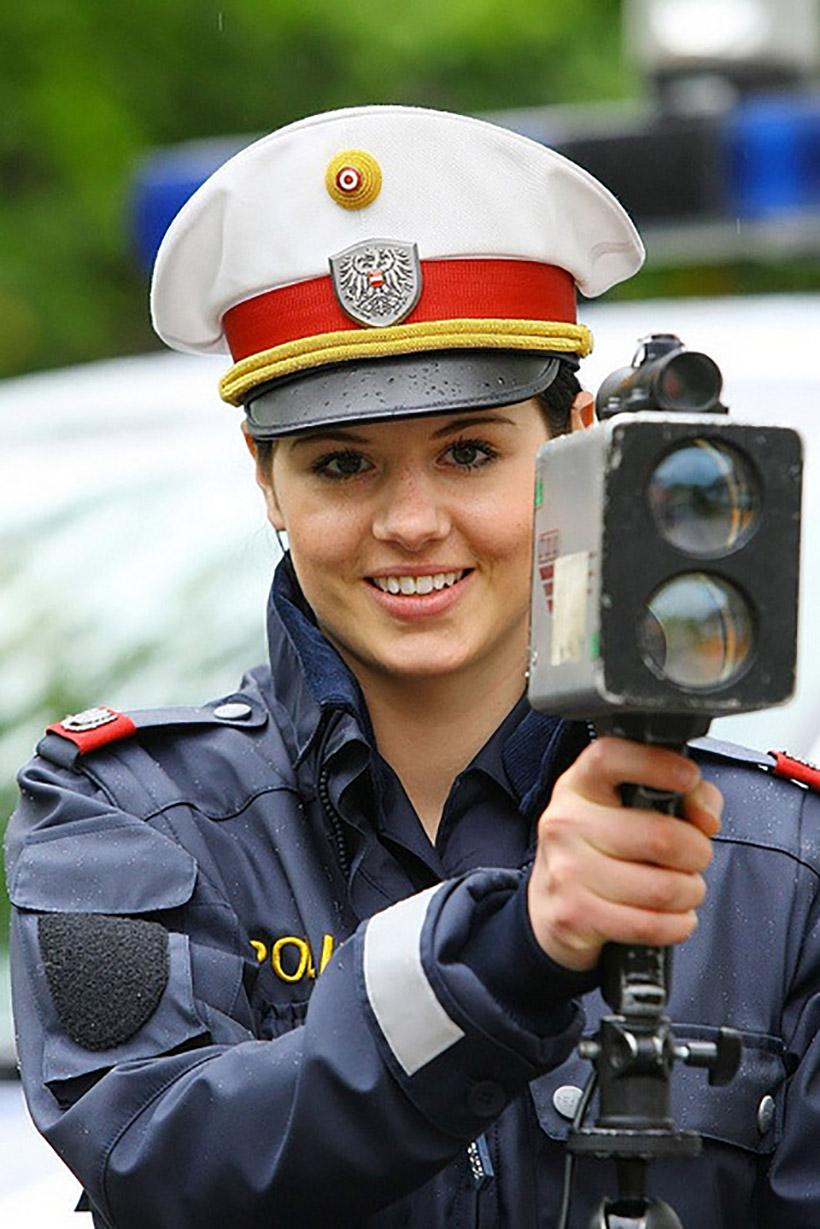 krasivye-devushki-politseyskie_5