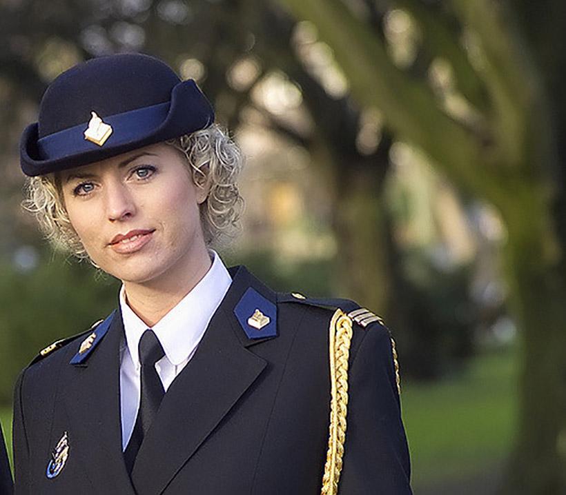 krasivye-devushki-politseyskie_6