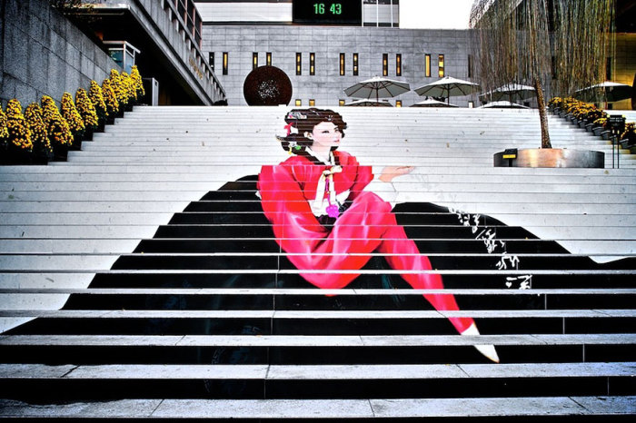 Расписные ступеньки: фотографии лестничного декора в разных городах мира