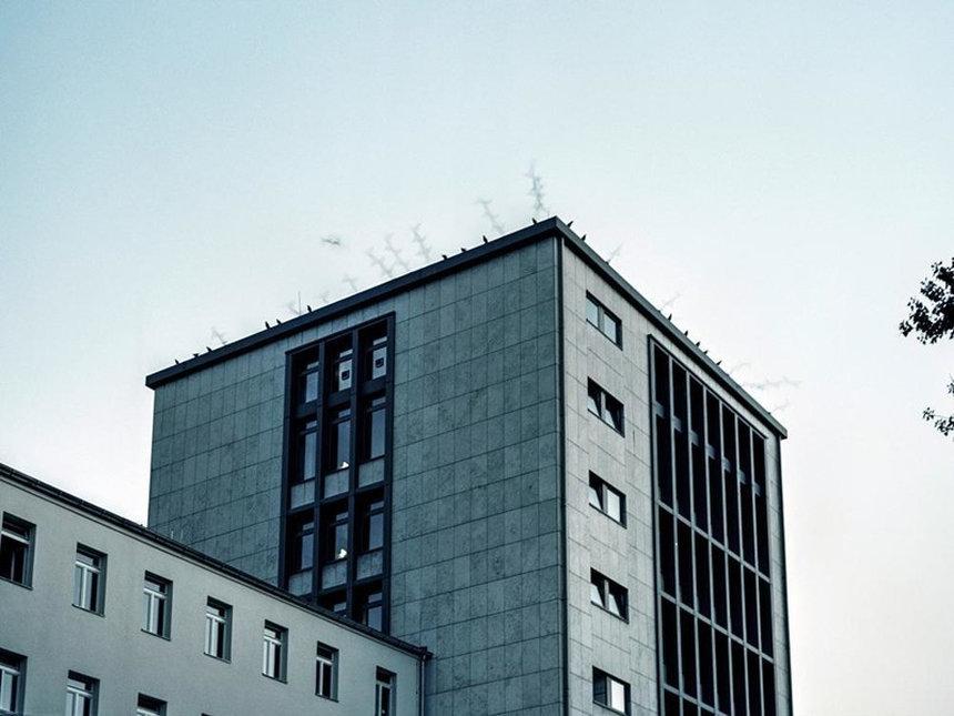 kak-zhivet-odin-iz-starejshih-kvartalov-krasnyh-fonarej-v-berline-quibbll-7