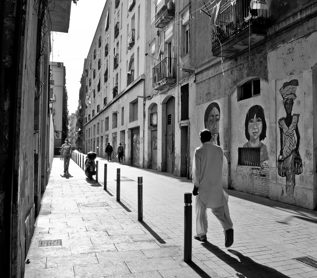 artistic-shot-of-the-streets-of-el-raval