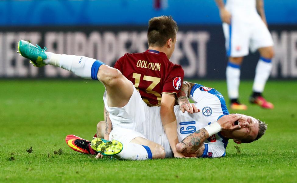 Russia v Slovakia - EURO 2016 - Group B