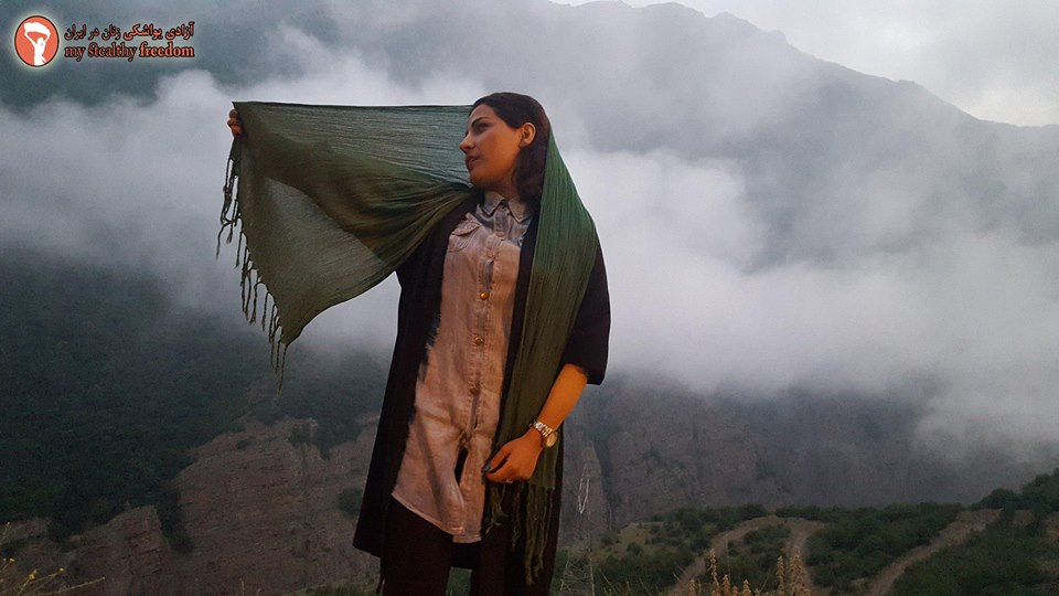 Моя скрытая свобода: иранские женщины срывают хиджабы