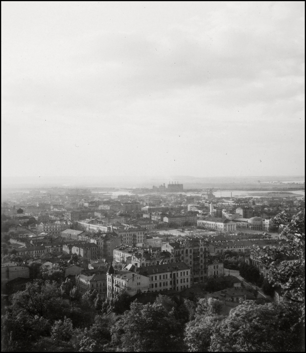 UKRAINE. Kiev. 1943. City vista of Kiew from the Podil Quarter.  L-UK-KIE-001
