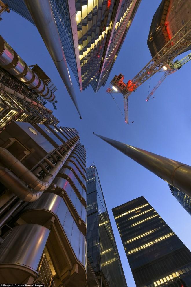 london-21-6-660x990