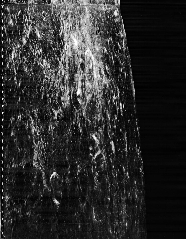 Zemlya-s-orbity-Luny-foto_5