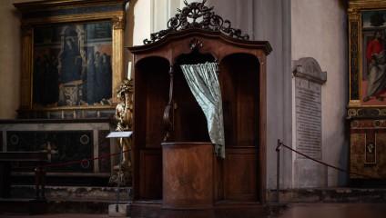 Исповедальни в итальянских церквях. Фотограф Марчелла Хакбардт