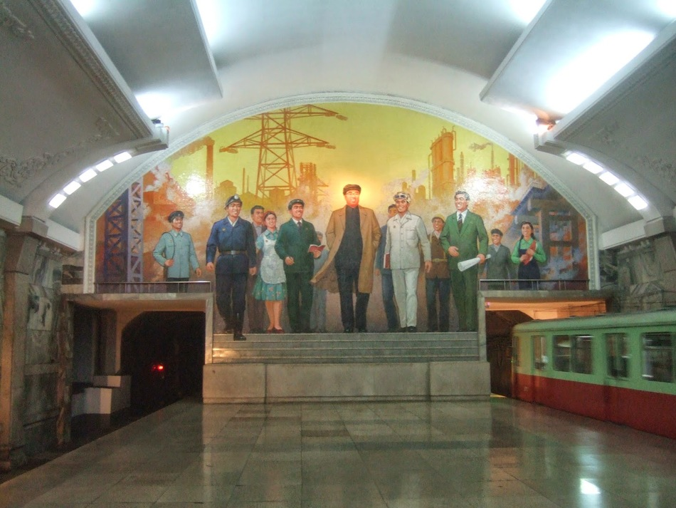 555_Kim_Il_Sung_himself_welcomes_us_to_Puhung_Station