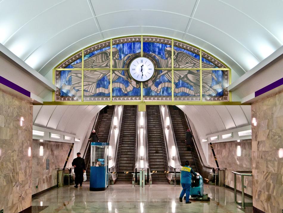 Metro_SPB_Line5_Admiralteyskaya_escalators