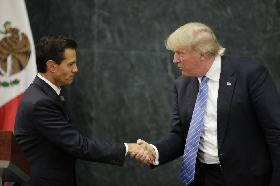 U.S. presidential nominee Trump and Mexico's President Pena Nieto shake hands in Mexico City