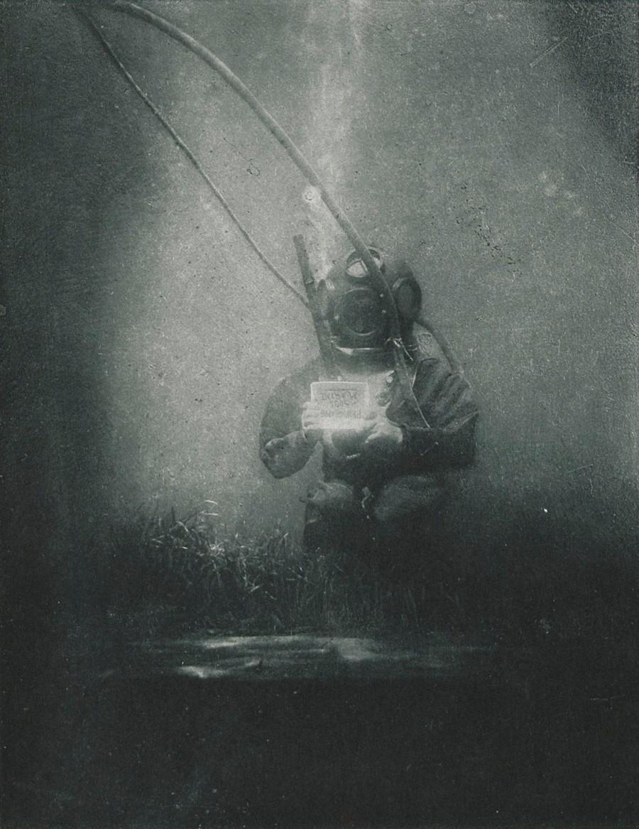 Первый подводный портрет в мире, снятый в 1899 году