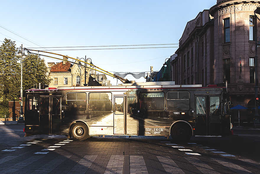 vanishing-trolleybus-vilnius-street-art-festival-liudas-parulskis-8-57c81cf89176b__880