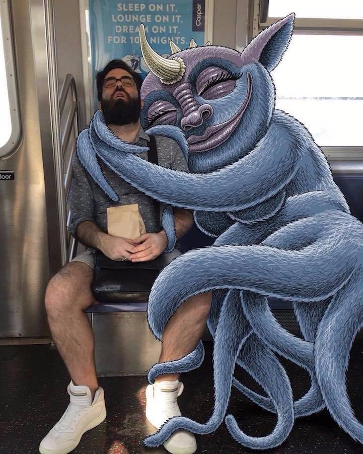 """Серия рисунков на фотографиях """"Случайные Люди в Метро"""" от художника Subway Doodle"""