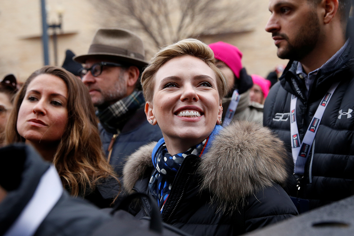 Actress Scarlett Johansson smiles at the Women's March in Washington U.S., January 21, 2017. REUTERS/Shannon Stapleton - RTSWQCF