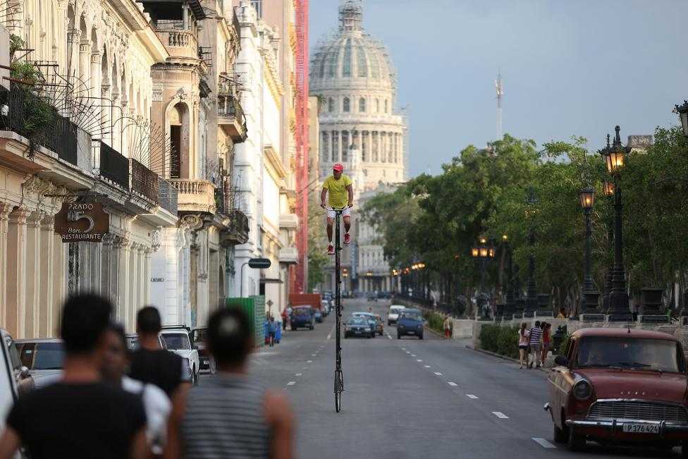 The Wider Image: Cycling head and shoulders above Havana