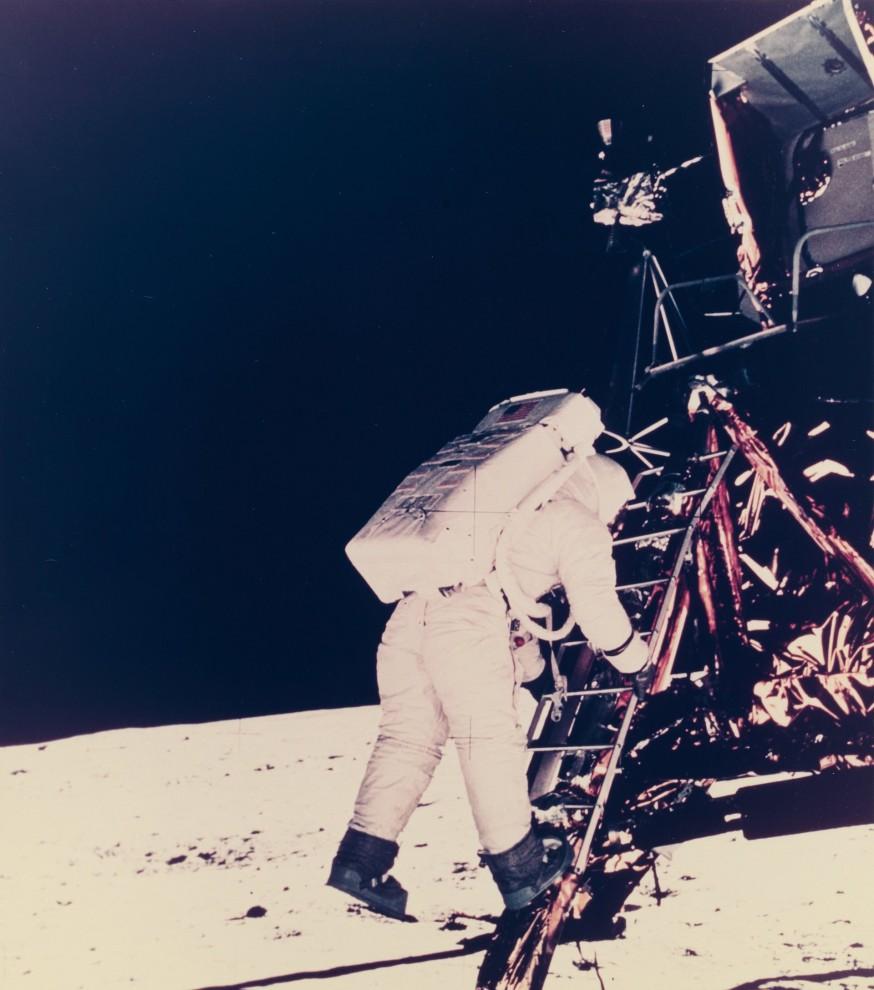astronavty-31-2-874x990