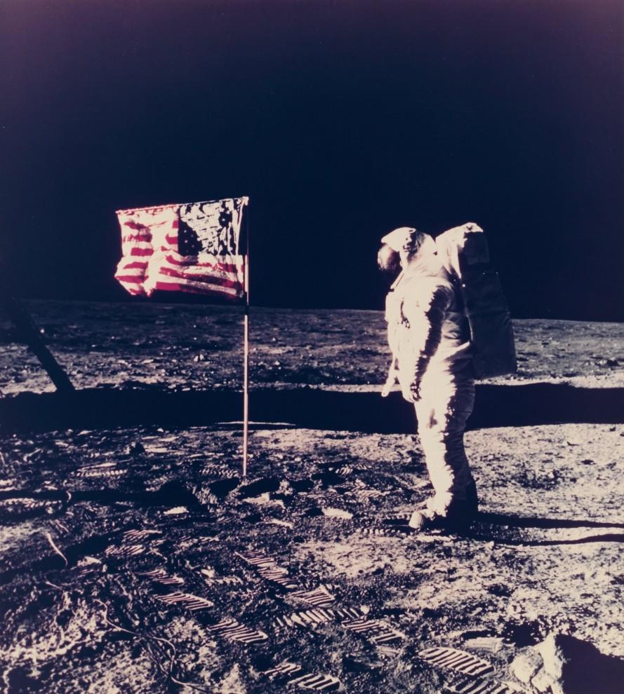 astronavty-31-4-889x990