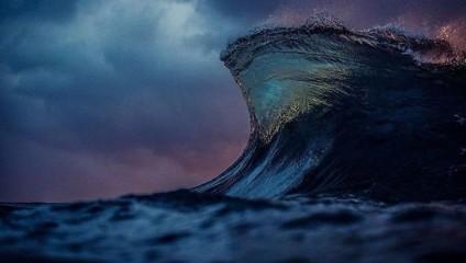 Море как горы. Фотограф Lloyd Meudell