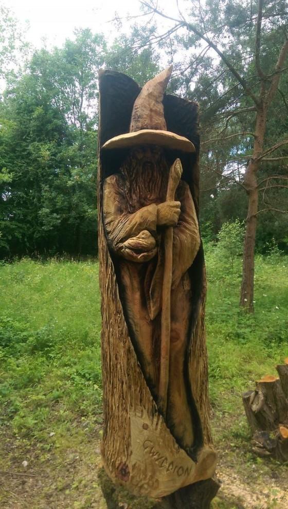 derevyannye-skulptury-16-5-560x990