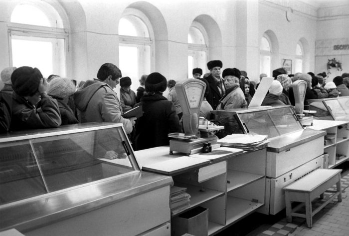 Перебои с поставками продовольствия. СССР, Пермь, 1991 год.